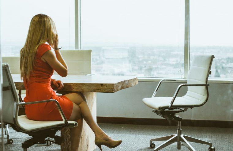 Le plafond de verre pour les femmes existe-t-il toujours?