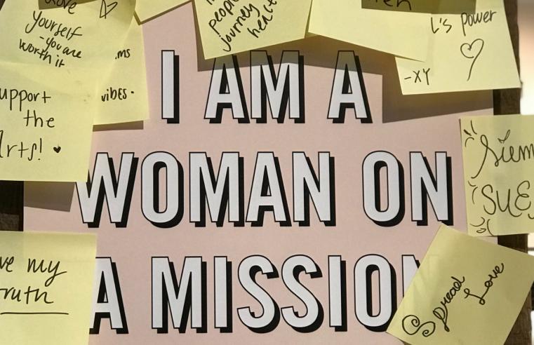 Pourquoi les femmes doivent défier le monde plus que jamais
